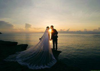 Chụp ảnh cưới ở biển nên mặc gì đẹp nhất