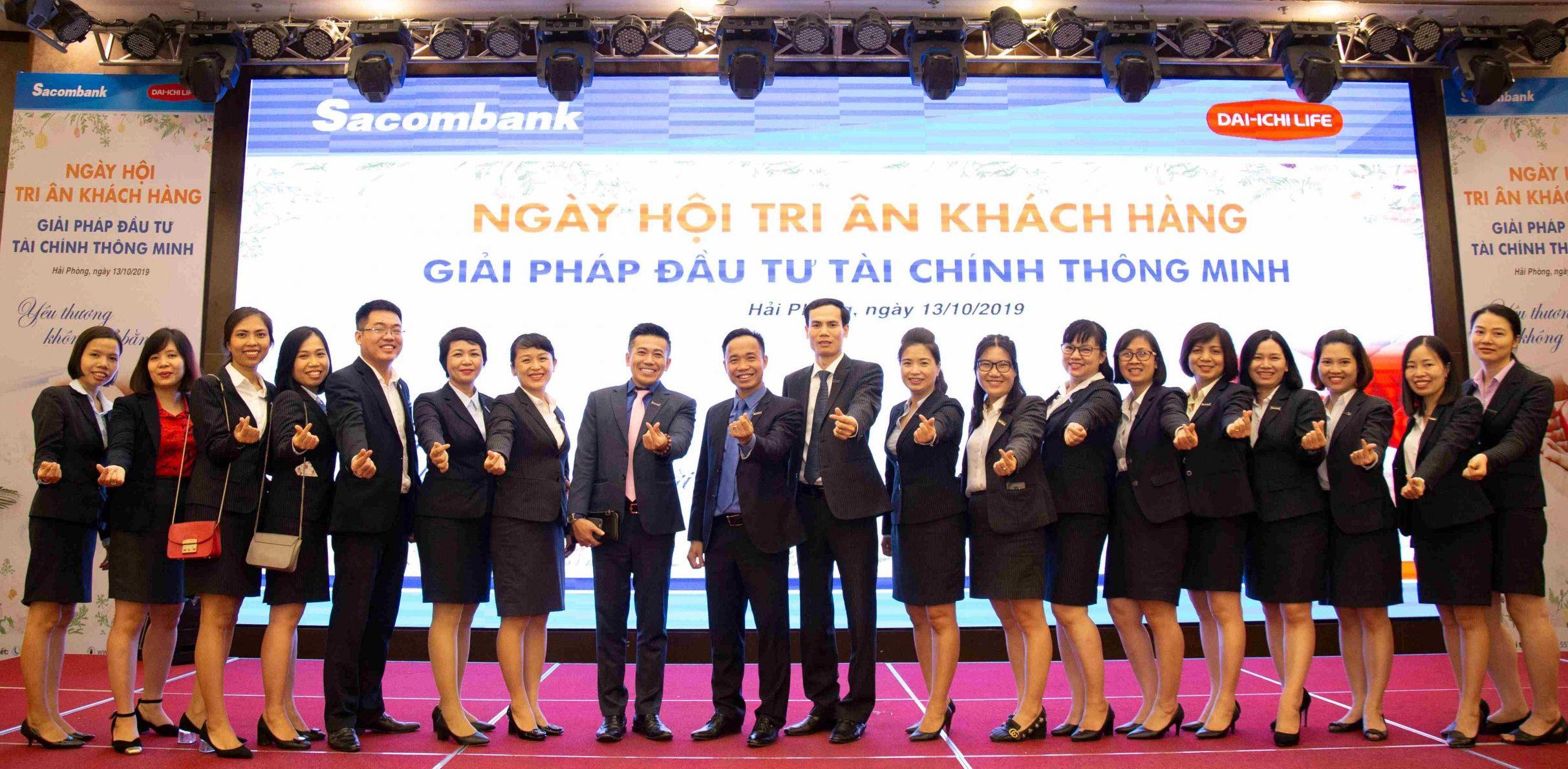 Chụp ảnh hội nghị tri ân khách hàng Sacombank Hải Phòng
