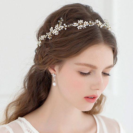 Xu hướng kiểu tóc cô dâu đẹp thịnh hành 2020 2