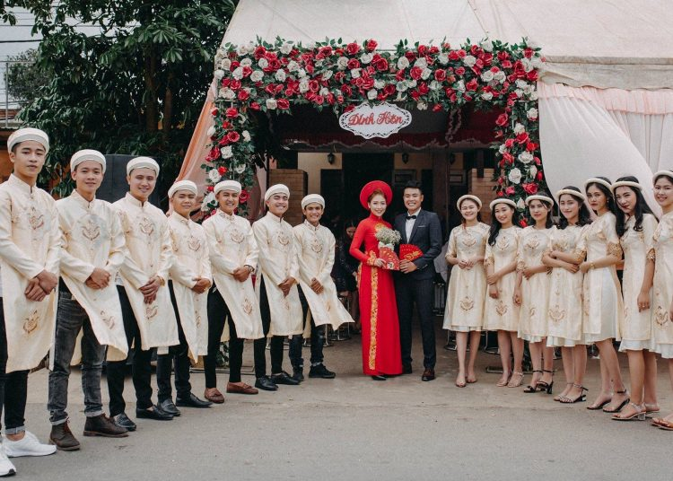 Quay video cưới truyền thống hay phóng sự cưới